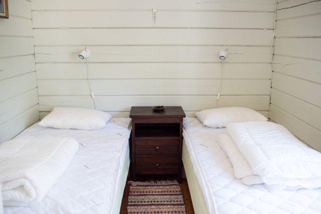 Bedroom (2) 75