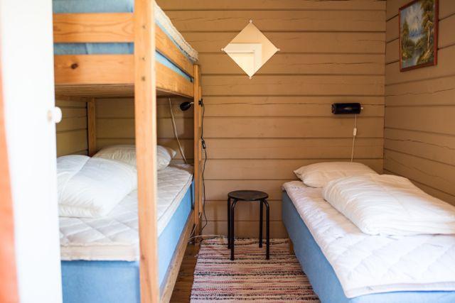 Bedroom 72