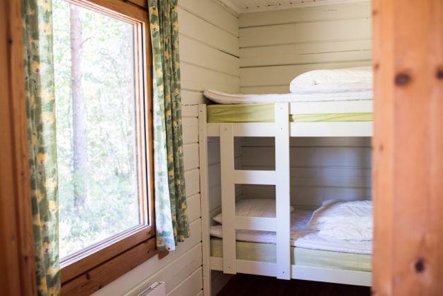 Bedroom 75 (1)